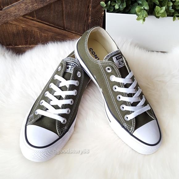 2f791b64f354 Converse Women s Chuck Taylor All Star Low Sneaker